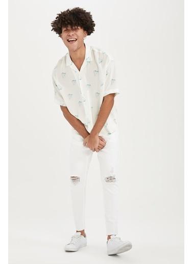 DeFacto Oversize Fit Desenli Kısa Kollu Gömlek Beyaz